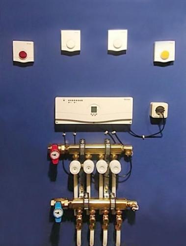 Радиосистема для регулирования t в отдельных помещениях (напольные/стенные/потолочные отопительные/охладительные сис-мы)