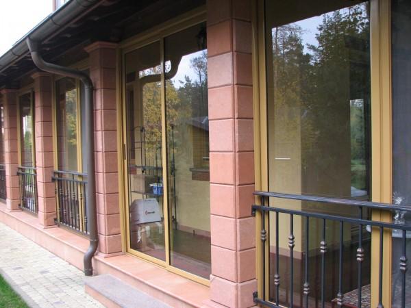 Раздвижные алюминиевые конструкции для мансард, балконов, басейнов, зимних садов(стекло или стеклопакет).