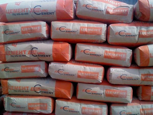 Реализуем цемент со склада в Киеве. Фасованный в таре по 25кг. М-400-1150грн. т, М-500-1250грн. т. Возможна доставка.