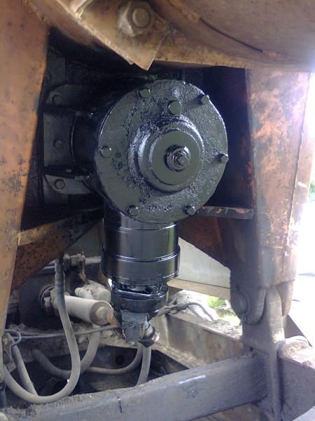 Редуктор угловой для буровой машины МРК-750