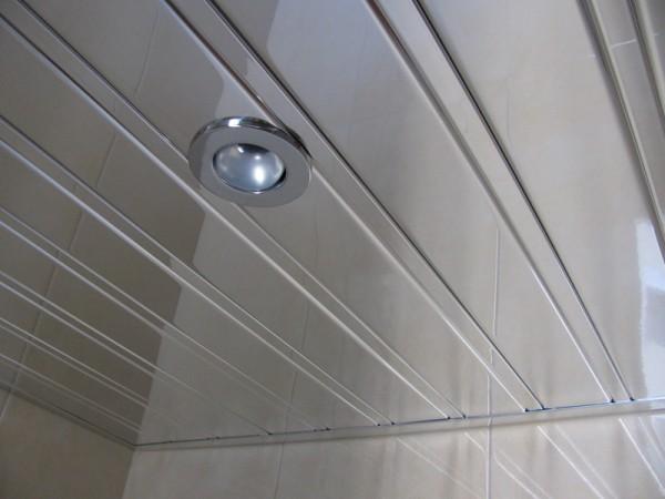 Реечный алюминиевый потолок хром - зеркало (комплектация: рейка, вставка, пристенный профиль(П-образный), стрингер)