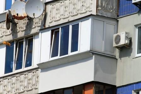 Ремонт балкона под ключ в 96 серии дома
