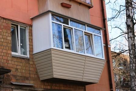 Ремонт балкона под ключ в хрущёвке с крышей