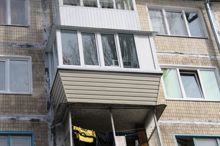 Ремонт балкона под ключ в панельной хрущёвке