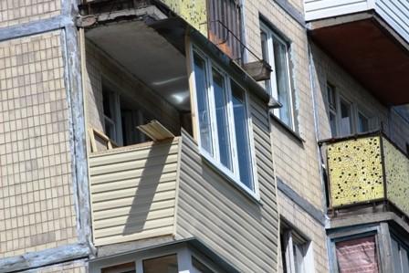 Ремонт балкона в гостинке под ключ