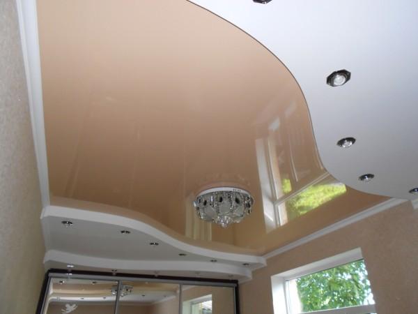 Ремонт спальни с использованием сухих смесей Knauf, ГКЛ, виниловых обоев и натяжного потолка.