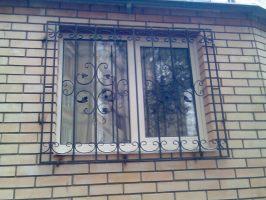 Решетки кованые на окна.
