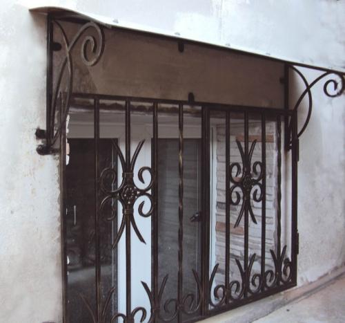 Решетки на окна, кованые решетки