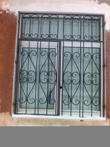 Решетки на окна, оконные решетки под заказ