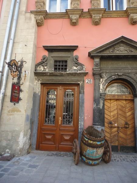 реставрация брам, ворот