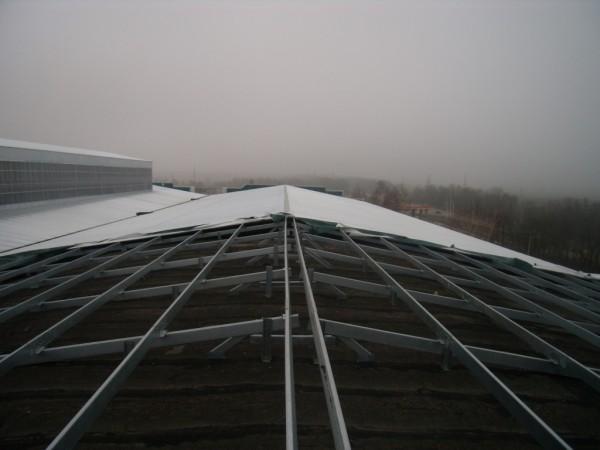Реставрация крыши производственного помещения с использованием холоднокатанных профилей типа Z. C. U.