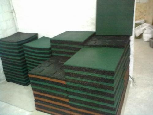 Резиновая плитка 500*500 h-20мм.