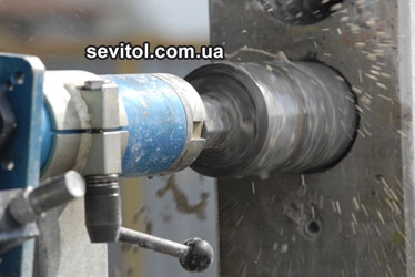 Резка и сверление отверстий алмазным оборудованием TYROLIT