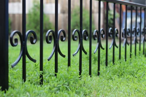 Ритуальные оградки ручной ковки
