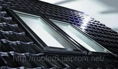 ROTO 847 МАнсардное окно с двумя осями поворота