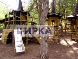 Детский замок с дерева и нержавеющей стали