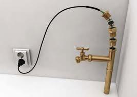 Саморегулирующийся нагревательный кабель для обогрева водопровода возможна установка во внутрь. Сделано в Финляндии