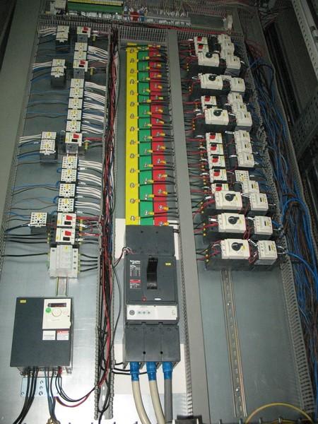 Сборка электротехнических шкафов и электрических щитов