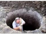 Бригада профессионалов поможет выкопать колодец, траншею, сливную яму.