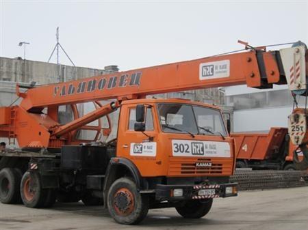 Сдается в аренду Кран МКТ - 25. Грузоподъемность - 25 тонн. Вылет срелы - 21,7 м.