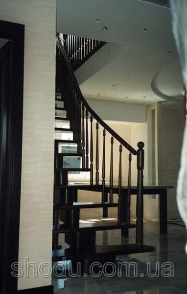 сегментная лестница из дерева