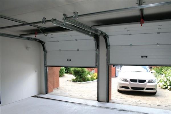 Секционные ворота размером 2,8 х 2м. Устанавливаем ворота по вашим размерам. Автоматика для секционных ворот.