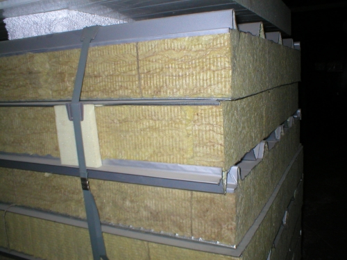Сэндвич-панель крышная с двухсторонней облицовкой наполнитель минеральная вата МВ 1ПТК 150-2х0,5-960 МВ