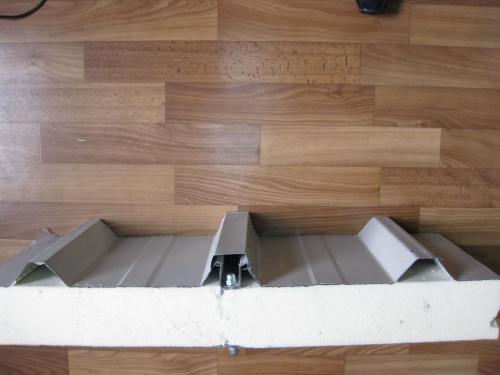 Сэндвич-панель крышная с двухсторонней облицовкой наполнитель пенополиуретан ППУ 1ПТК 100-2х0,5-1190
