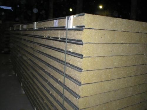 Сэндвич-панель стеновая с двухсторонней облицовкой наполнитель минеральная вата МВ 1ПТС 150-2х0,5-1190 МВ