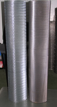 Сетка просечно-вытяжная для штукатурных работ. Ячейки от 8*15*0,6 мм. до 30*60*0,6 мм.