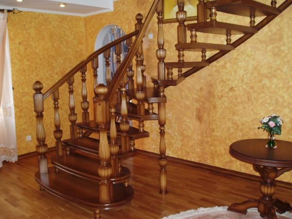 Шикарные лестницы из Массива Дуба