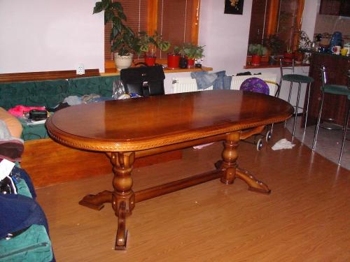 Шикарний кухонний стіл з Дуба