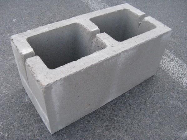 шлакоблок стеновой заводской 190*190*390 мм, плотность М-50, доставка договорная. Также есть шлакоблок усиленный.