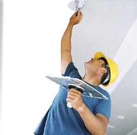 Шпаклевка потолка под обои и под покраску
