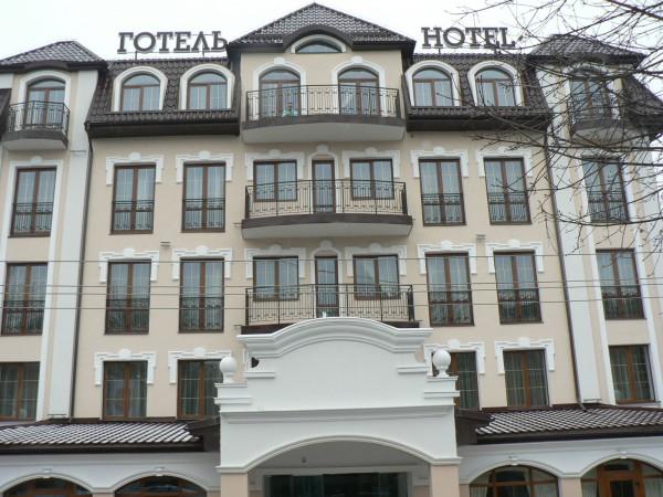 Шпалери для готелів та ресторанів з Італії. Наші партнери:готель Варшава, Галицька корона, Вілла Австрія, Нотабене.