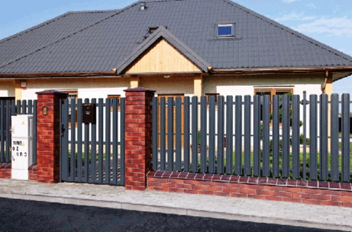 Штакетный забор металлический секционный (можно с колоннами)