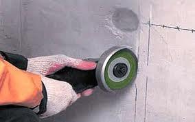 Штробление стены под проводку с укладкой провода (бетон)