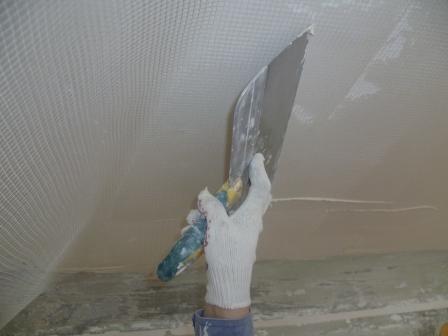 Штукатурка потолка с сеткой до 3 см