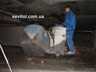 Швонарезчик Тиролит HFS1030 с глубиной резания до 480 мм