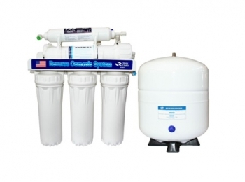 Система очистки воды методом обратного осмоса. Предназначена для подготовки ультра чистой питьевой воды