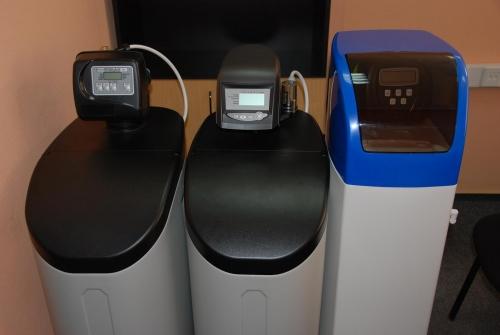 Система умягчения воды кабинетного типа с клапаном управления GE 255/760 meter