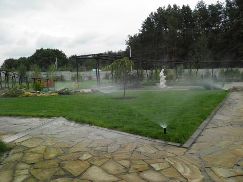 системы полива газонов