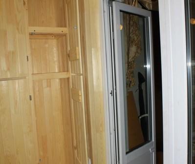 Смазка дверной фурнитуры