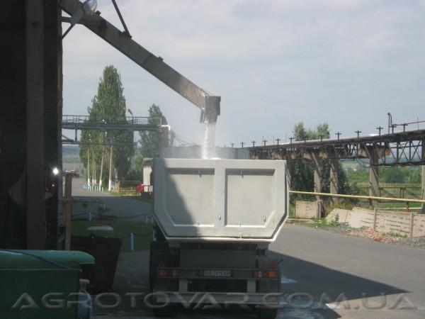 Соль рассыпная, техническая 3 помола, верхняя загрузка в автотранспорт.