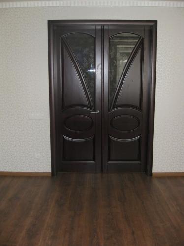 Солидные двери для солидных людей.