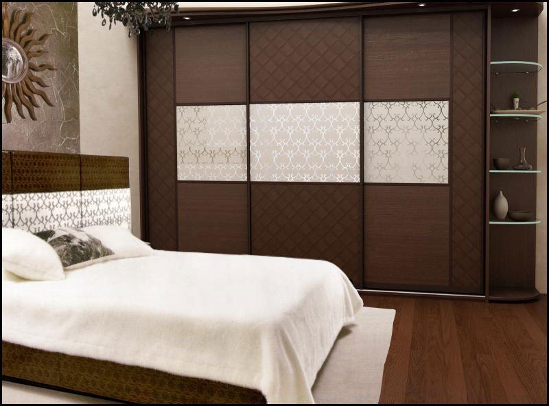 шкаф-купе в спальне Стерх