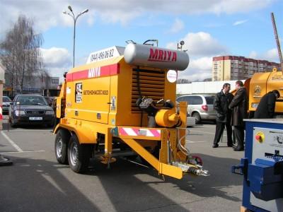 Стационарный бетононасос, производит. 30 м3, минимальный заказ - смена (8 часов) по Киеву