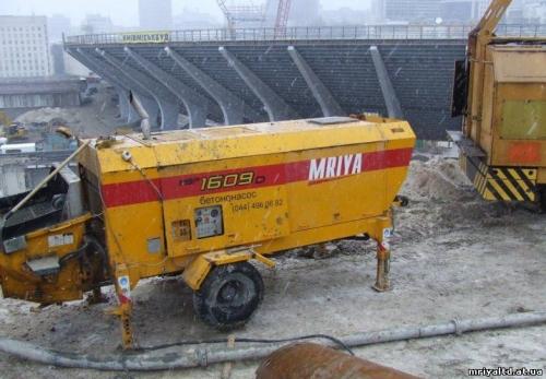 Стационарный бетононасос в аренду. 90 м3 в час. Смена 8 часов 3 700 гр. доставка на объект и обратно.