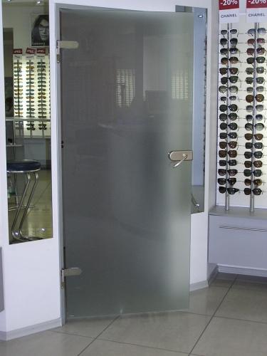 Стеклянные распашные двери, с коробкой и надежной фурнитурой в Одессе