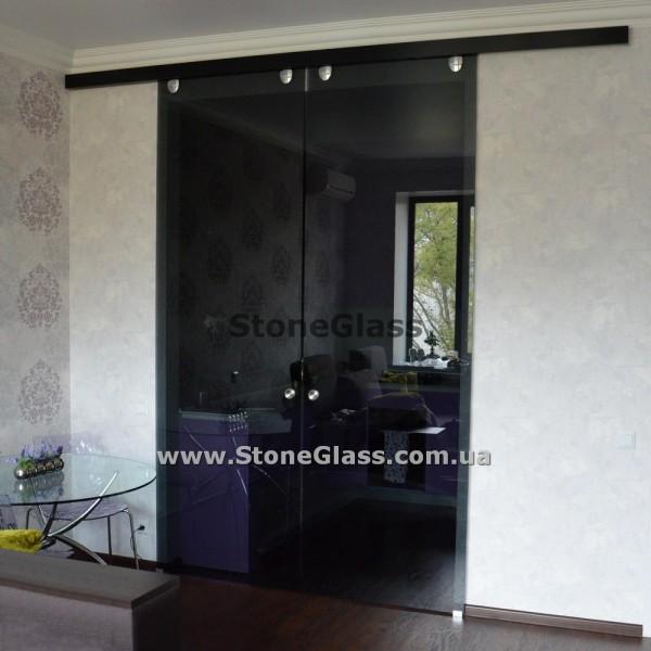 Стеклянные раздвижные двери (черный триплекс)